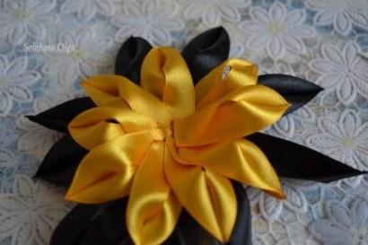 цветок канзаши из узких лент мастер-класс