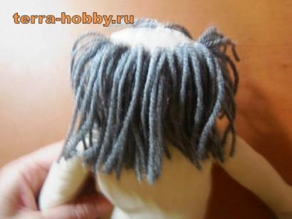 пришиваем волосы домовому