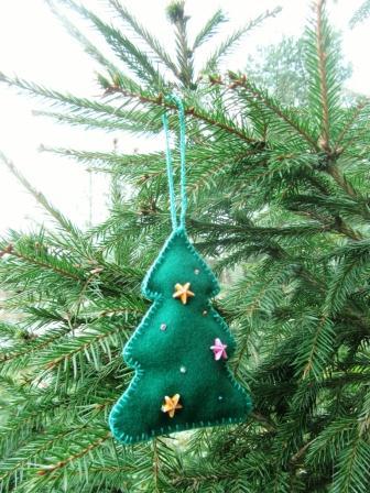 подарок в виде елки из фетра
