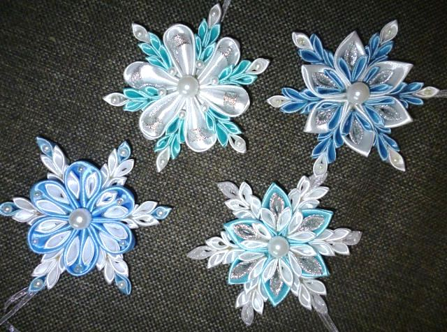 Снежинки из ткани своими руками фото