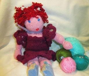 Миниатюра к статье Вязаная кукла своими руками