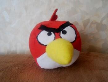Миниатюра к статье Как сшить злую птичку красного цвета из игры Angry Birds