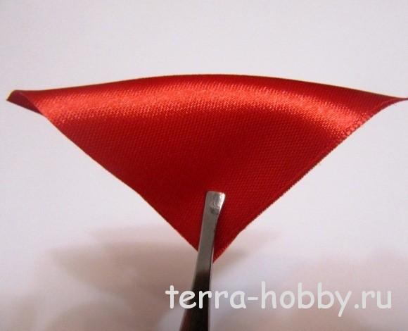 Квадрат 5 х 5 см сложить по диагонали