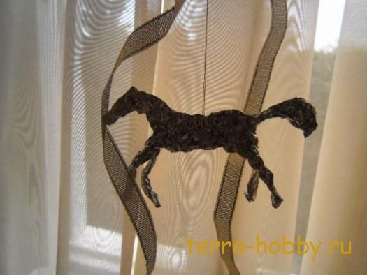 лошадка для елки из фольги