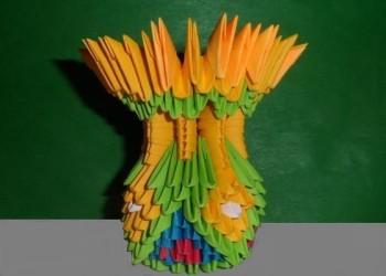 Миниатюра к статье Ваза из треугольных модулей оригами своими руками
