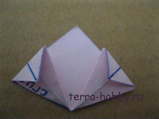 лепесток цветка из бумаги