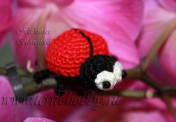 Миниатюра к статье Мастер-класс по вязанию амигуруми: жук Жужунька
