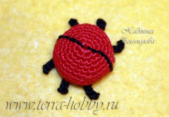 вязаный жук амигуруми4