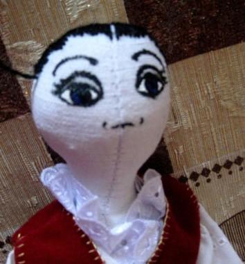 кукла Кира Саракости