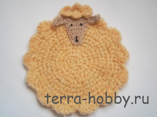 вязаная салфетка овечка
