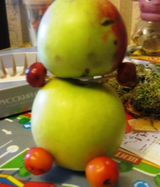 ножки мишки из яблок
