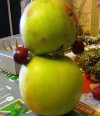 ручки мишки из яблок