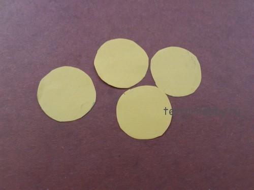 вырезать круги из бумаги