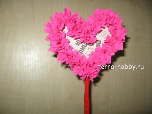 топиарий сердце из гофрированной бумаги
