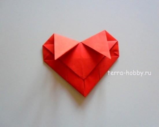 заправить уголки поделки сердечка