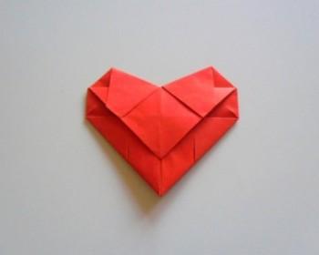 Миниатюра к статье Как сделать сердечко из бумаги