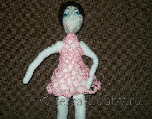 вяжем платье кукле