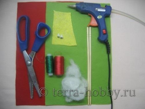 материалы и инструменты для пошива петуха