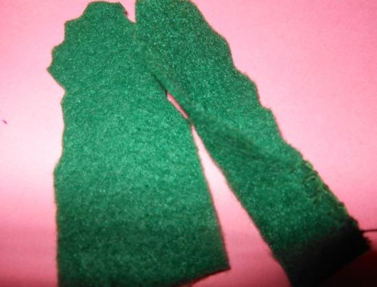 Зеленые детали прошить у основания