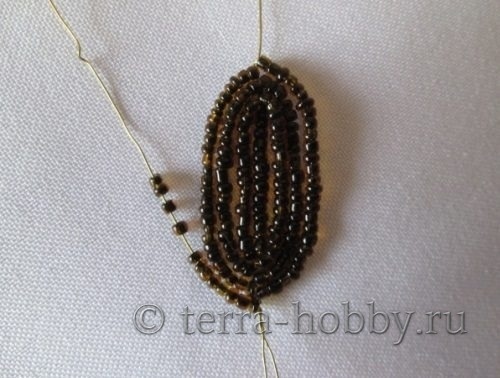 плетение лепестка из бисера