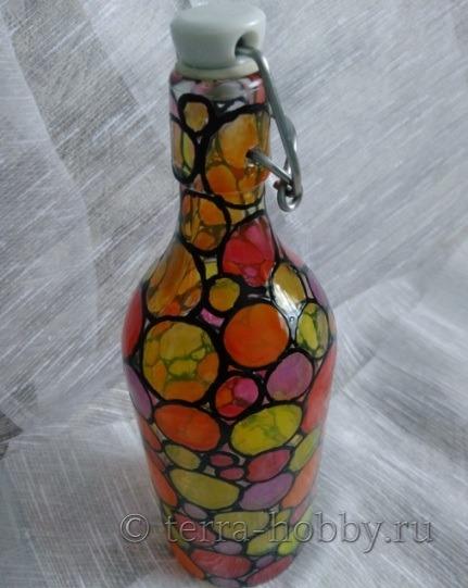 декорирование стеклянной бутылки витражными красками