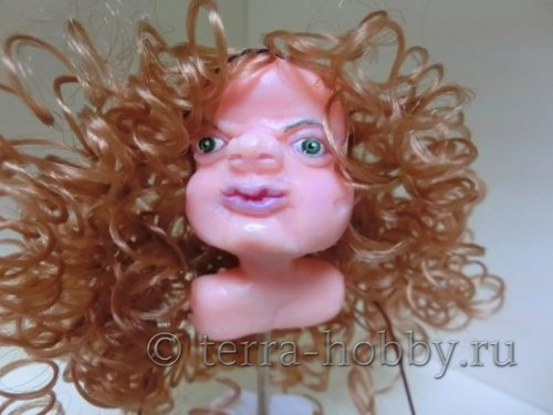 пришить волосы к кукле