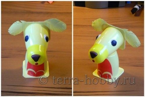 собака из пластиковых стаканчиков