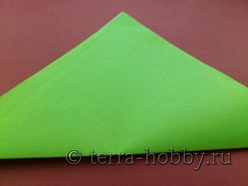 сложить квадрат бумаги по диагонали