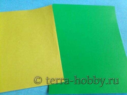 желтый и зеленый картон