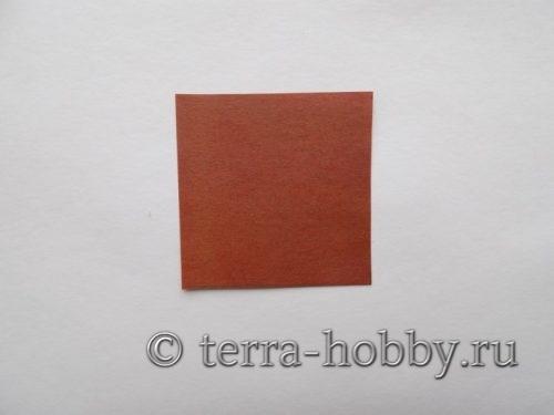 квадрат из коричневой бумаги