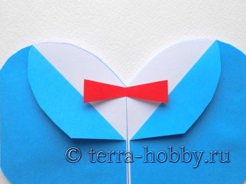 приклеить бабочку к открытке
