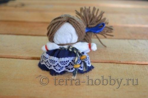 прикрепить волосы к кукле