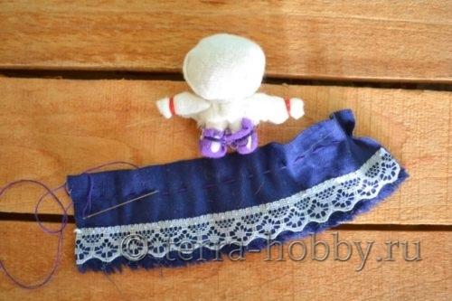 сшить юбочку для куклы