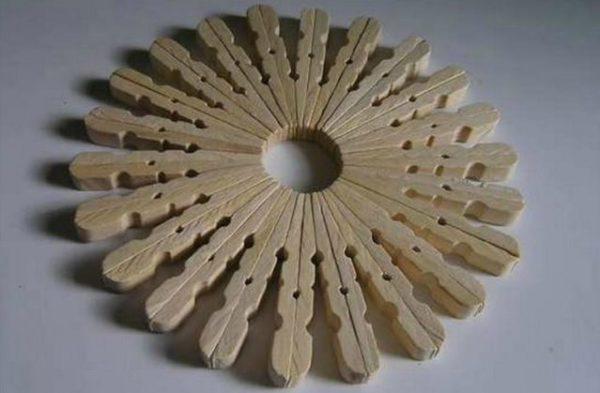 подставки под горячее из деревянных прищепок