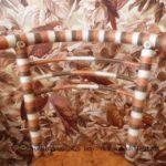 Миниатюра к статье Декорирование металлического стула остатками пряжи