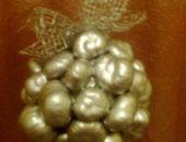 Миниатюра к статье Новогодний топиарий из каштанов своими руками