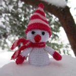 Миниатюра к статье Снеговик своими руками — вяжем крючком