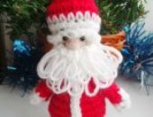 Миниатюра к статье Вяжем Деда Мороза крючком