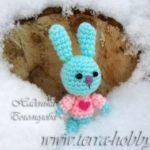Миниатюра к статье Оригинальный подарок ко Дню Влюбленных: вязаный заяц крючком