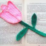 Миниатюра к статье Тюльпан крючком: закладка для книги