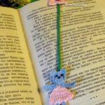 Миниатюра к статье Мишка в платье — оригинальная вязаная закладка для книги своими руками