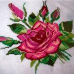 Миниатюра к статье Вышивка розы: 5 различных техник